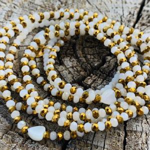 Sautoir blanc beige fines perles