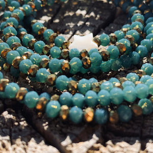 sautoir bleu vert fines perles