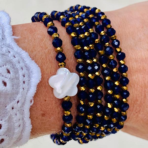 Sautoir Fedi en perles à facettes violettes et fleur de nacre