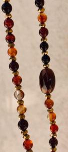 Sautoir ANY en perles d'agate rondes dans les tons marrons