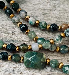 Sautoir ANIS en perles d'agate naturelle dans les tons verts